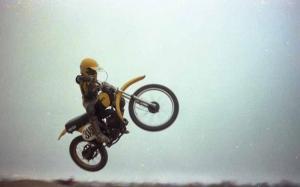 44MotocrossDump020e