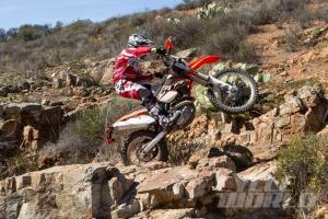 2014-KTM-500-EXC-action-8