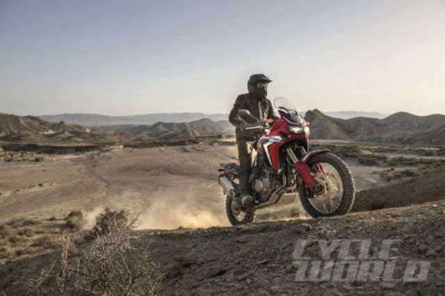 honda-crf1000l-africa-twin-action-1-590x393